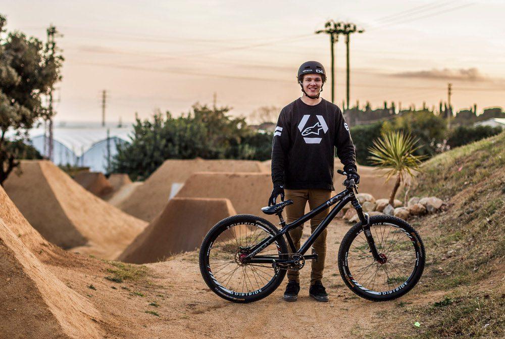 Max Friedriksson dołącza do teamu NS Bikes oraz rasoulution