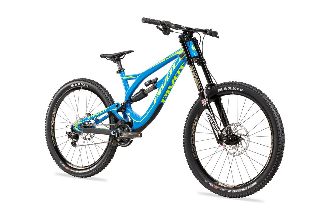 037298ca9cf ... Set your racing on fire with the all new Pivot Phoenix DH Carbon