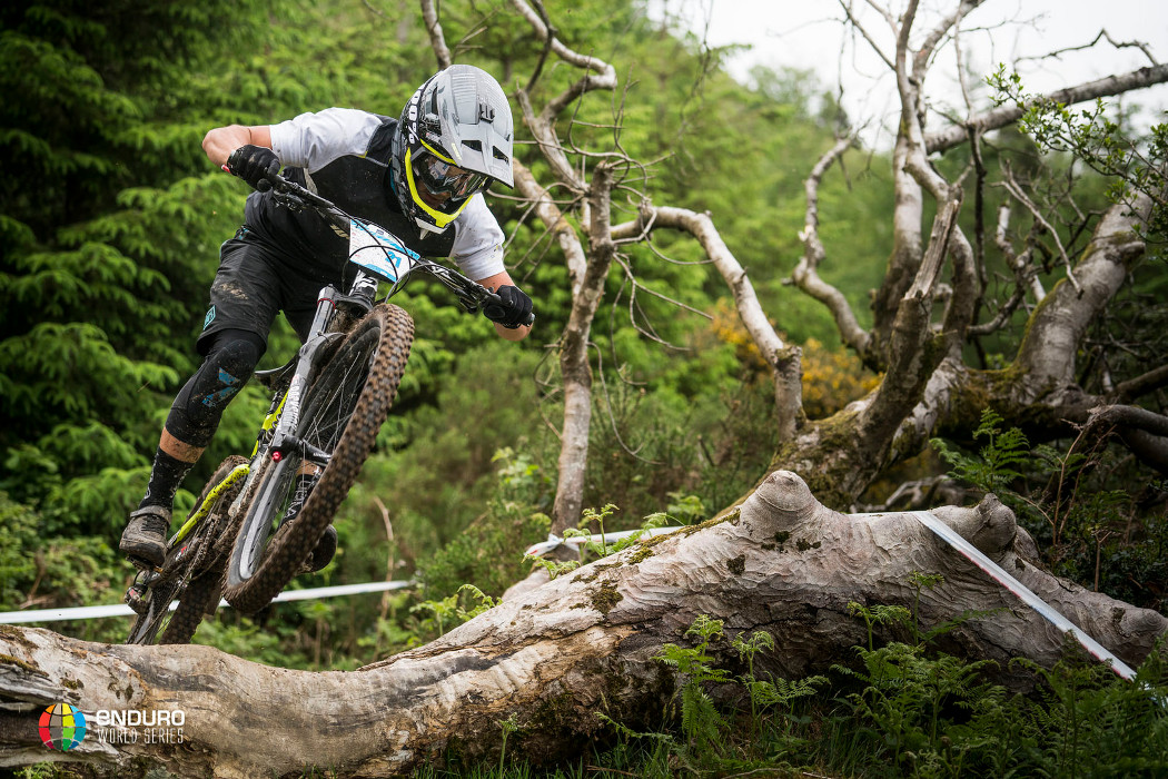 Adrien Dailly i Cecile Ravanel triumfują podczas czwartej rundy Enduro World Series 2017