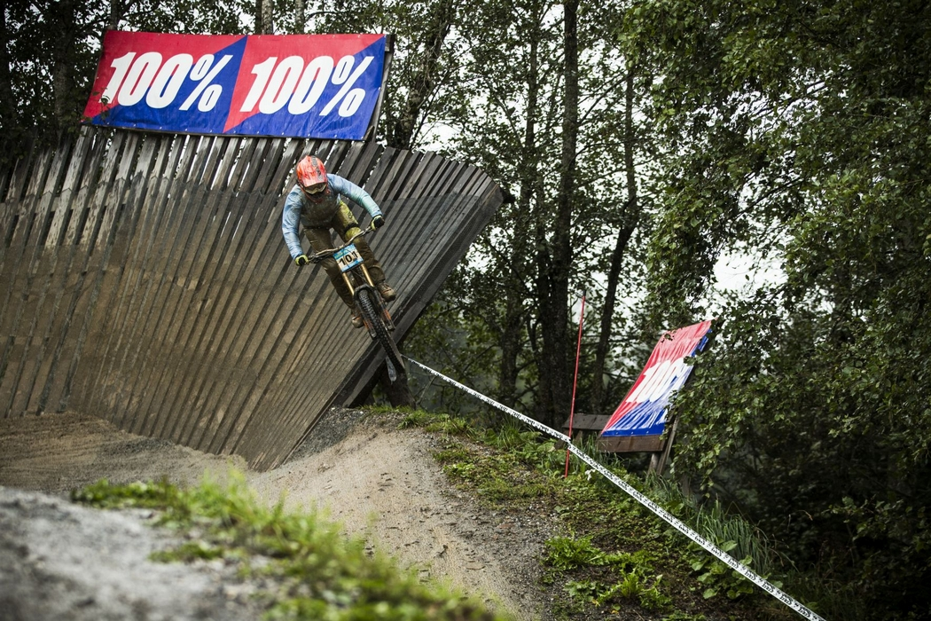 Biketember Festival: 15 year old Valentina Höll faster than European Champion
