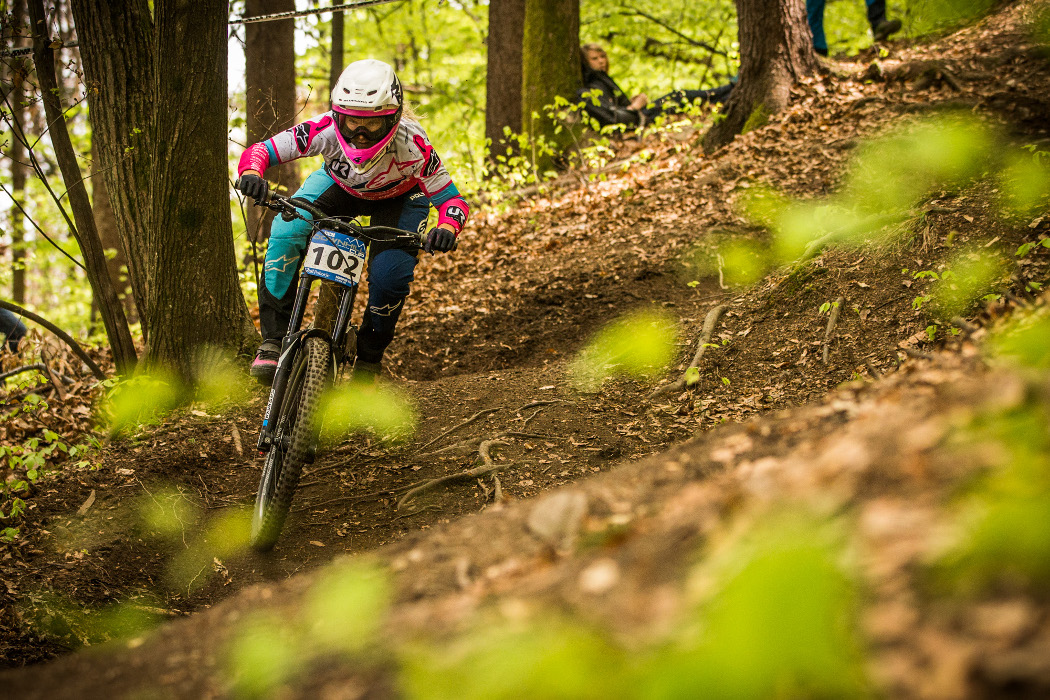 ee1c2f81f65 iXS European Downhill Cup 2018 #1: Laurie Greenland and Myriam Nicole win  in Maribor Tracey Hannah