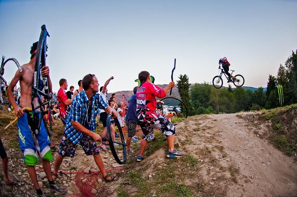 Monster Whip Contest oraz inne atrakcje podczas Diverse Downhill Contest na Górze Żar