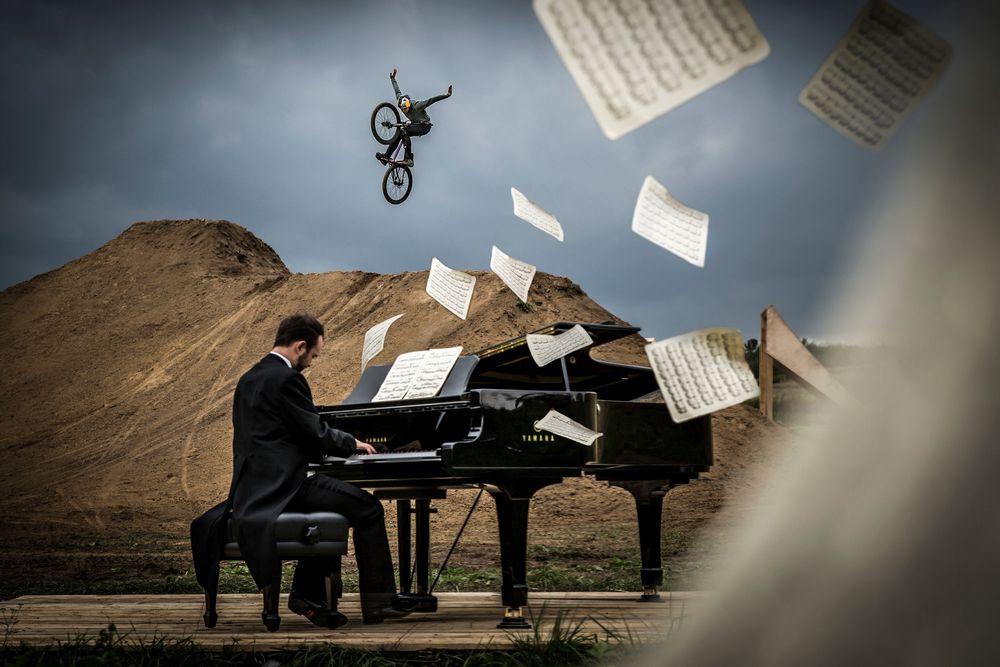 Chopin na dwa rowery - Dawid i Szymon Godziek w Piano Ride