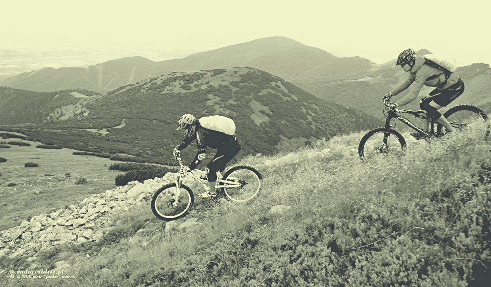 Ona i on, czyli ying-yang w górskiej scenerii.