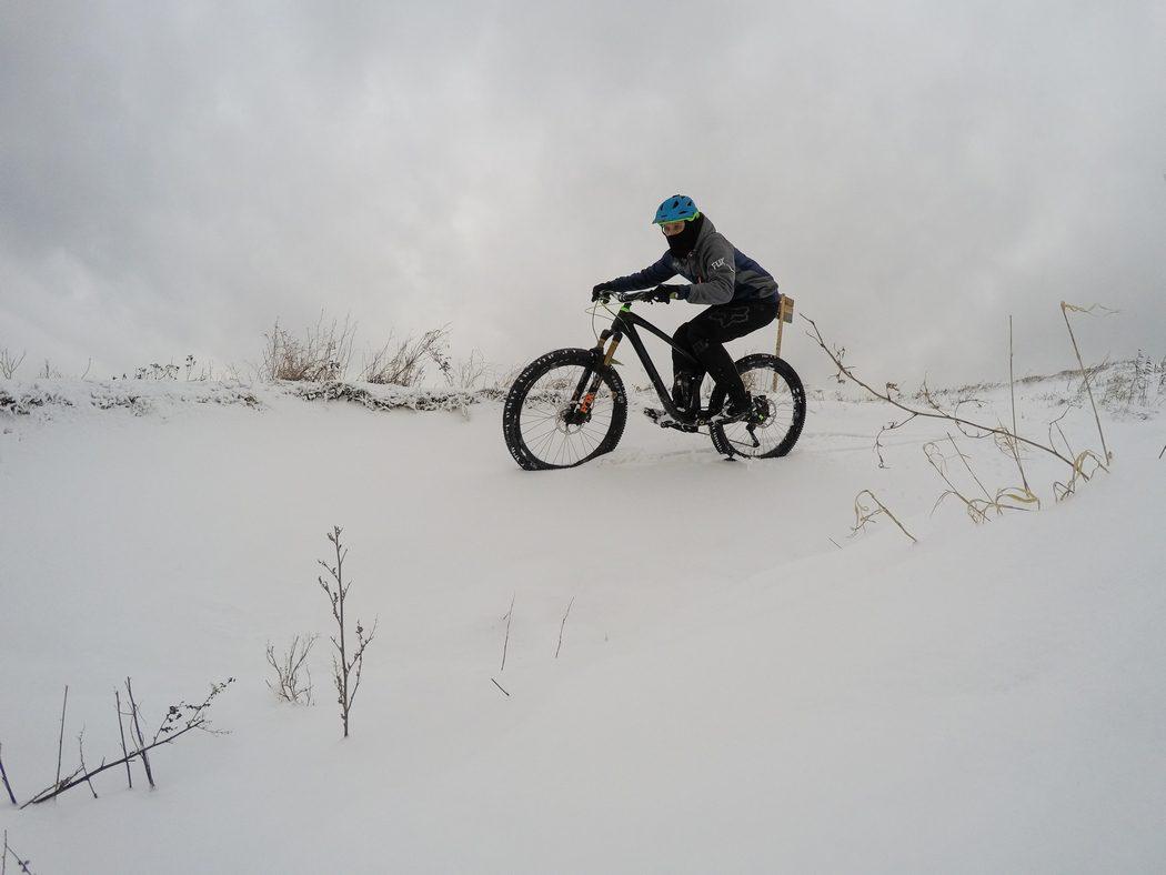 NS Bikes Snabb carbon 2017: duch freerideu w ciele enduro
