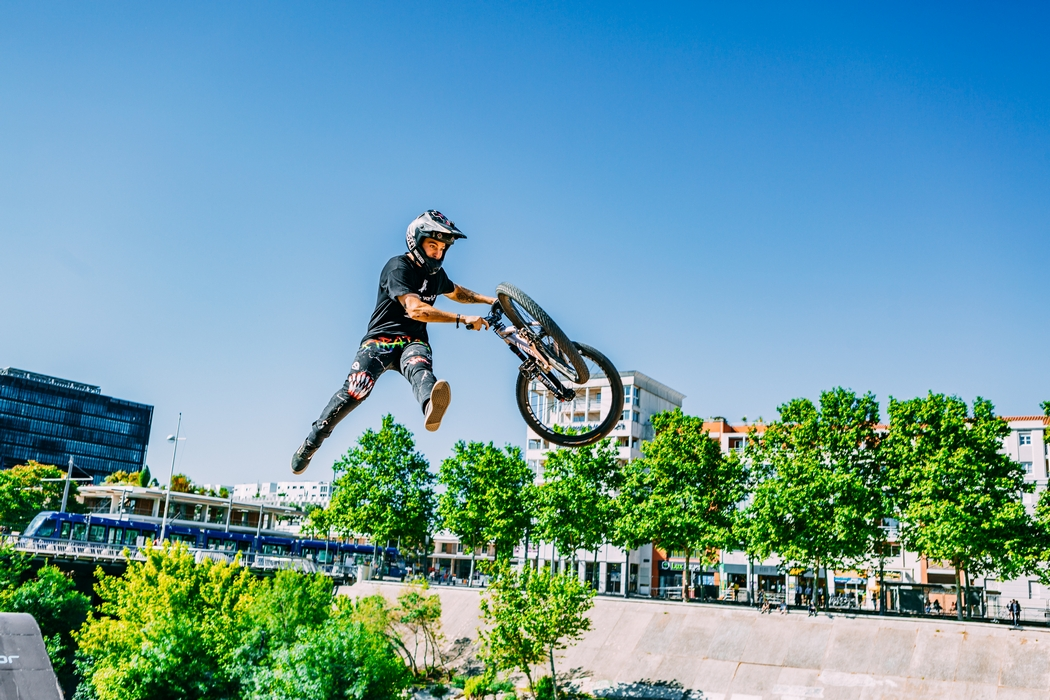 Nicholi Rogatkin wygrywa FISE Montpellier