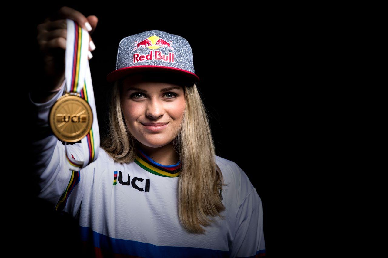 Valentina Höll - Mistrzyni Świata DH Juniorek